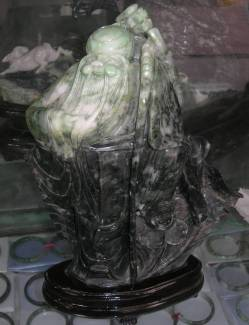 jade carving sculpture